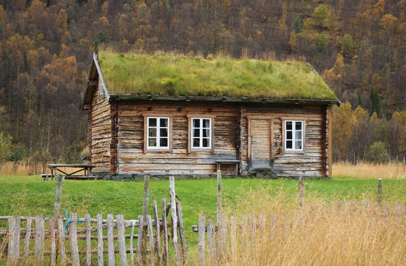 Våningshus. Holmenes sjøsamiske gård. Foto: Torun Olsen