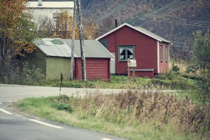 """Sjit helvedes kåken"" i Manndalen. Foto: Ørjan Bertelsen."