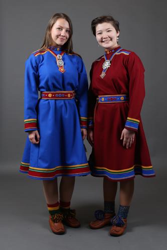 Sara Olsen og Helene i Olsen i kofte. Foto: Ørjan Bertelsen.