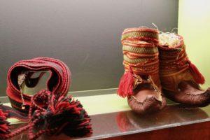 Komager og komagband fra utstillinga mii