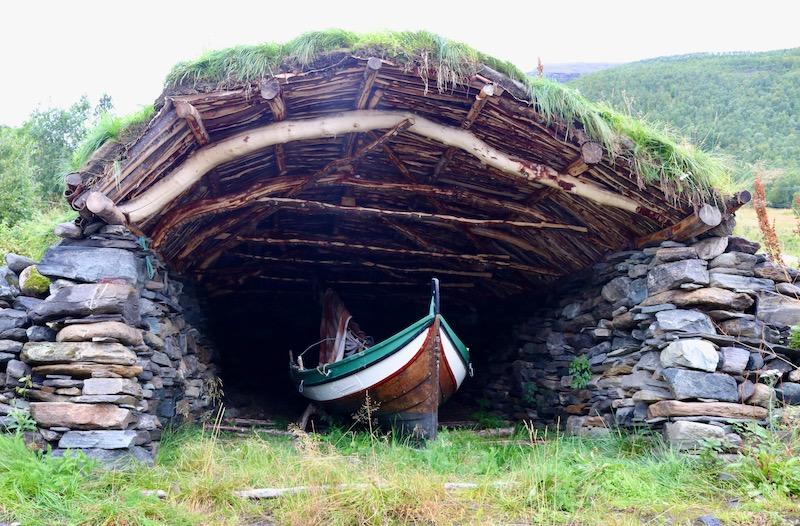Båtgamme med nordlandsbåti Skardalen