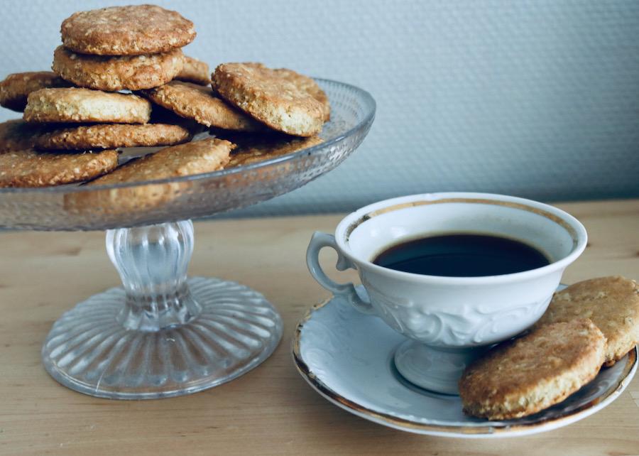 Havrekjeks og kaffe