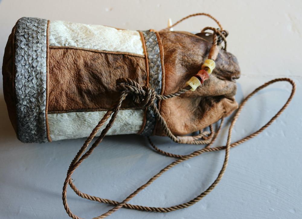 Skinnveske laget av Hilde Lund